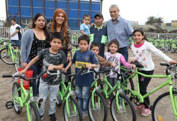 Mil estudiantes de escuelas primarias públicas de Dock Sud recibieron sus bicicletas
