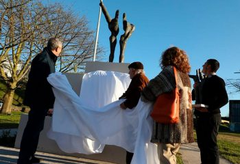 Dos nuevas esculturas en las plazas Lolita Torres y Ucrania