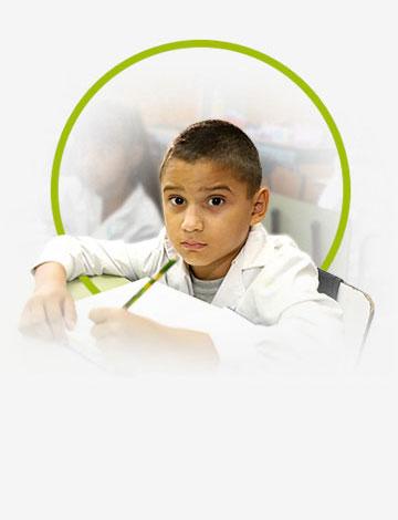 Educación - Avellaneda lleva de la mano a cada vecino y lo acompaña en su formación educativa