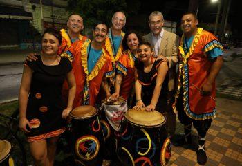 """Ferraresi visitó las muestras """"La fuerza de los barrios"""" en dos Puntos Culturales Municipales"""