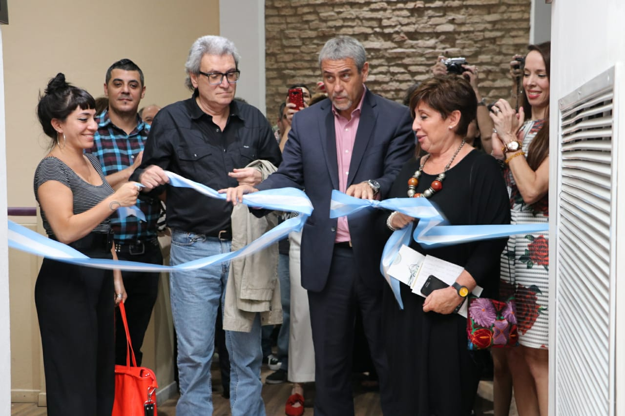 Ferraresi inauguró las nuevas exposiciones del Centro Municipal de Arte