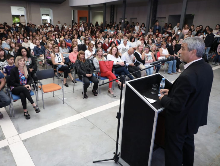 Ferraresi entregó más de $ 56 millones a escuelas y jardines que dependen de la Provincia