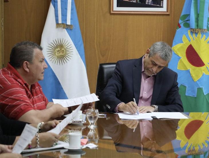 Ferraresi reabrió la paritaria municipal y llevó el incremento salarial al 47,4%