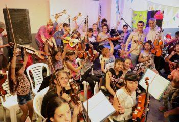 Ferraresi inauguró obras en un centro cultural de Villa Inflamable