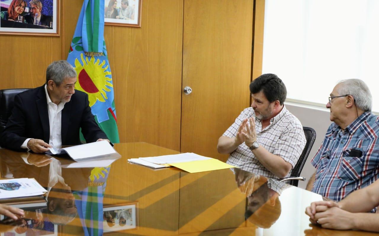 Ferraresi recibió a las autoridades de la línea de colectivos 10