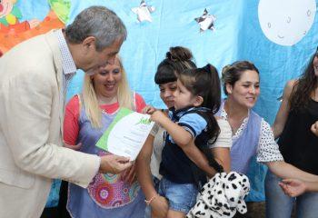 El intendente Ferraresi participó de los actos de colación de todos los jardines municipales