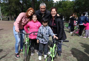 """Con la última entrega, más de 18 mil niñes de Avellaneda ya tienen su """"Primera Bici"""""""