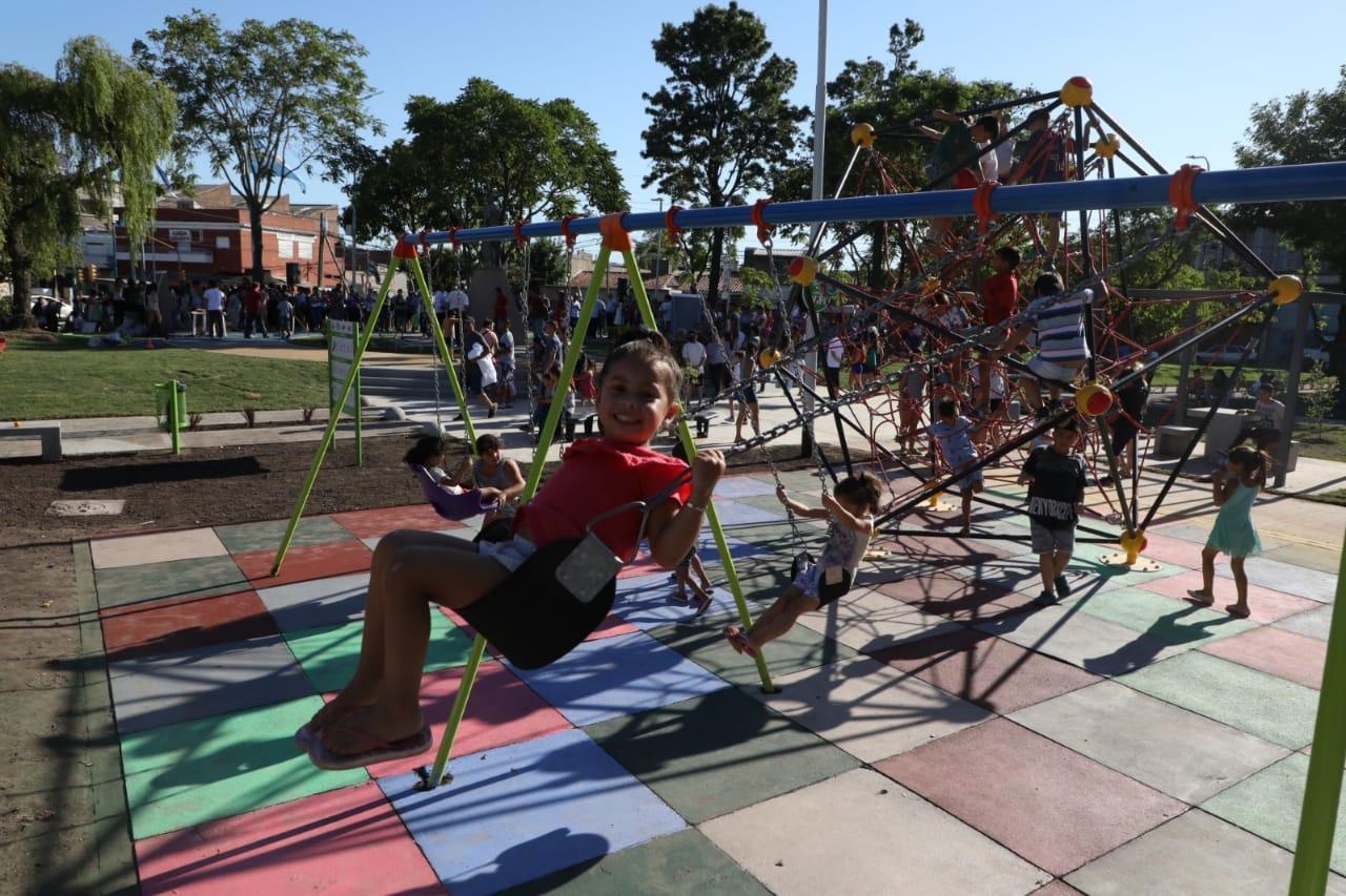 Homenaje al pueblo uruguayo en Sarandí, con nueva plaza, monumento a Artigas y festival de verano