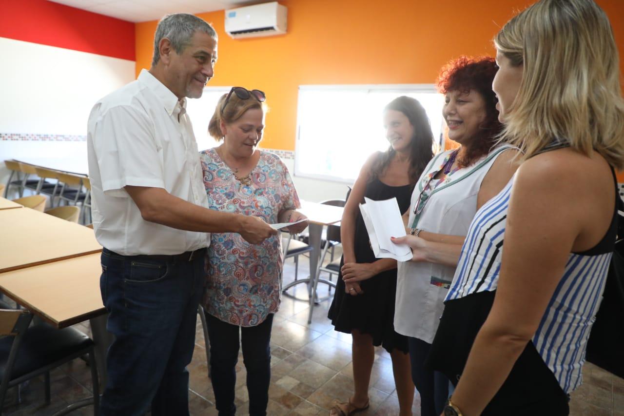 Más obras del Municipio en las escuelas locales