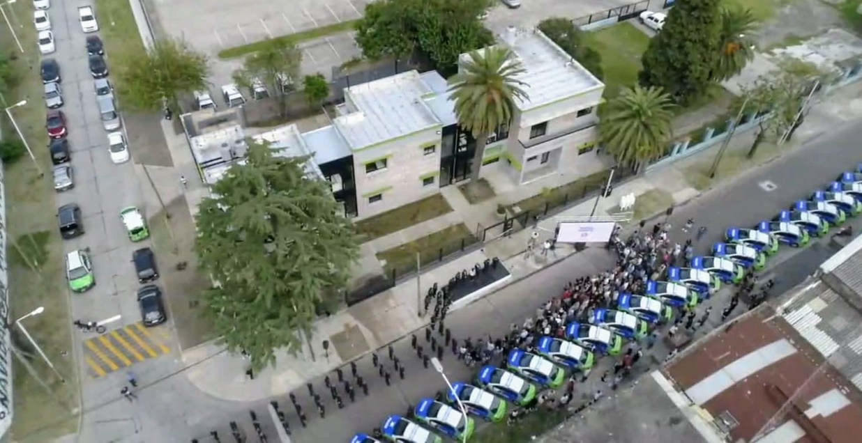 Ferraresi entregó 60 patrulleros 0KM, incorporó 300 policías e inauguró dependencias de seguridad