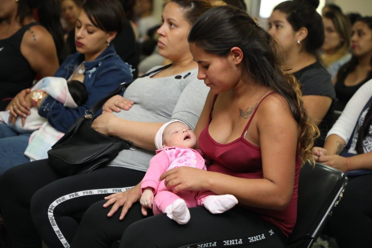 «Desde la Panza»: Más de 70 familias terminaron la capacitación y recibieron sus ajuares