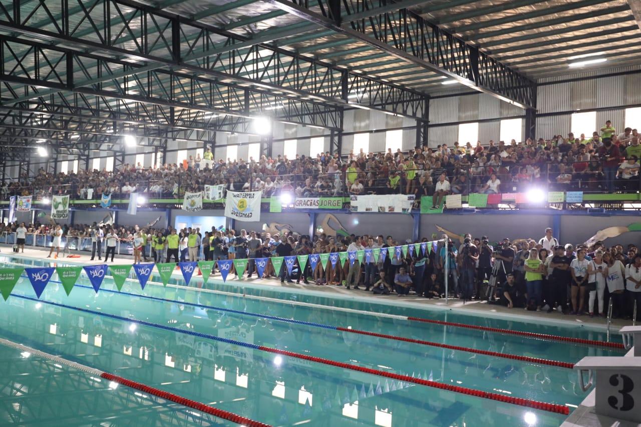 Ferraresi inauguró el Natatorio Avellaneda Olímpica para deportistas de alto rendimiento