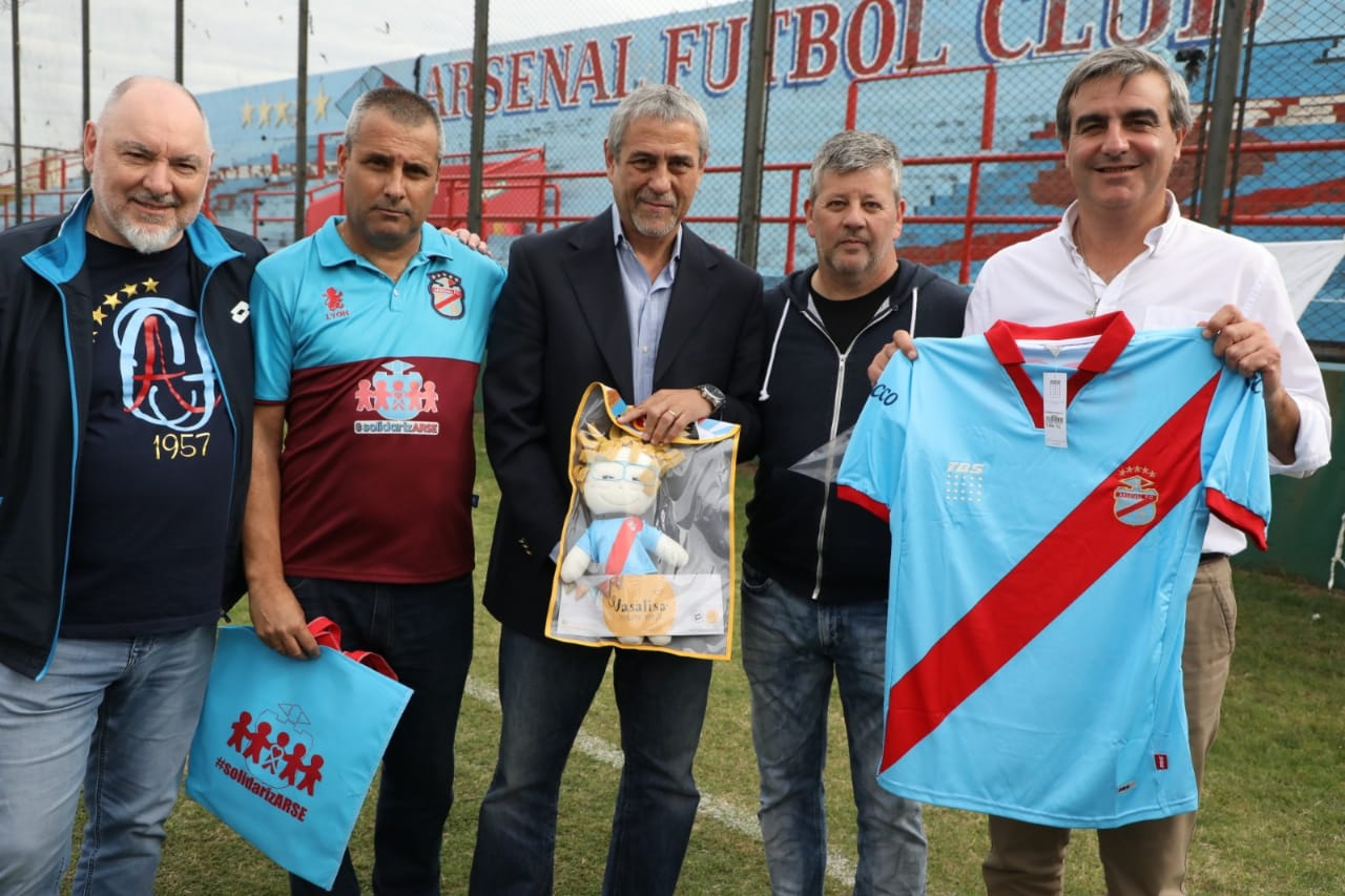 Barrileteada solidaria en Arsenal FC