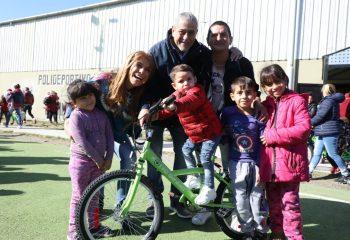 """Nueva entrega de """"Tu Primera Bici"""" para ingresantes a la escuela primaria"""