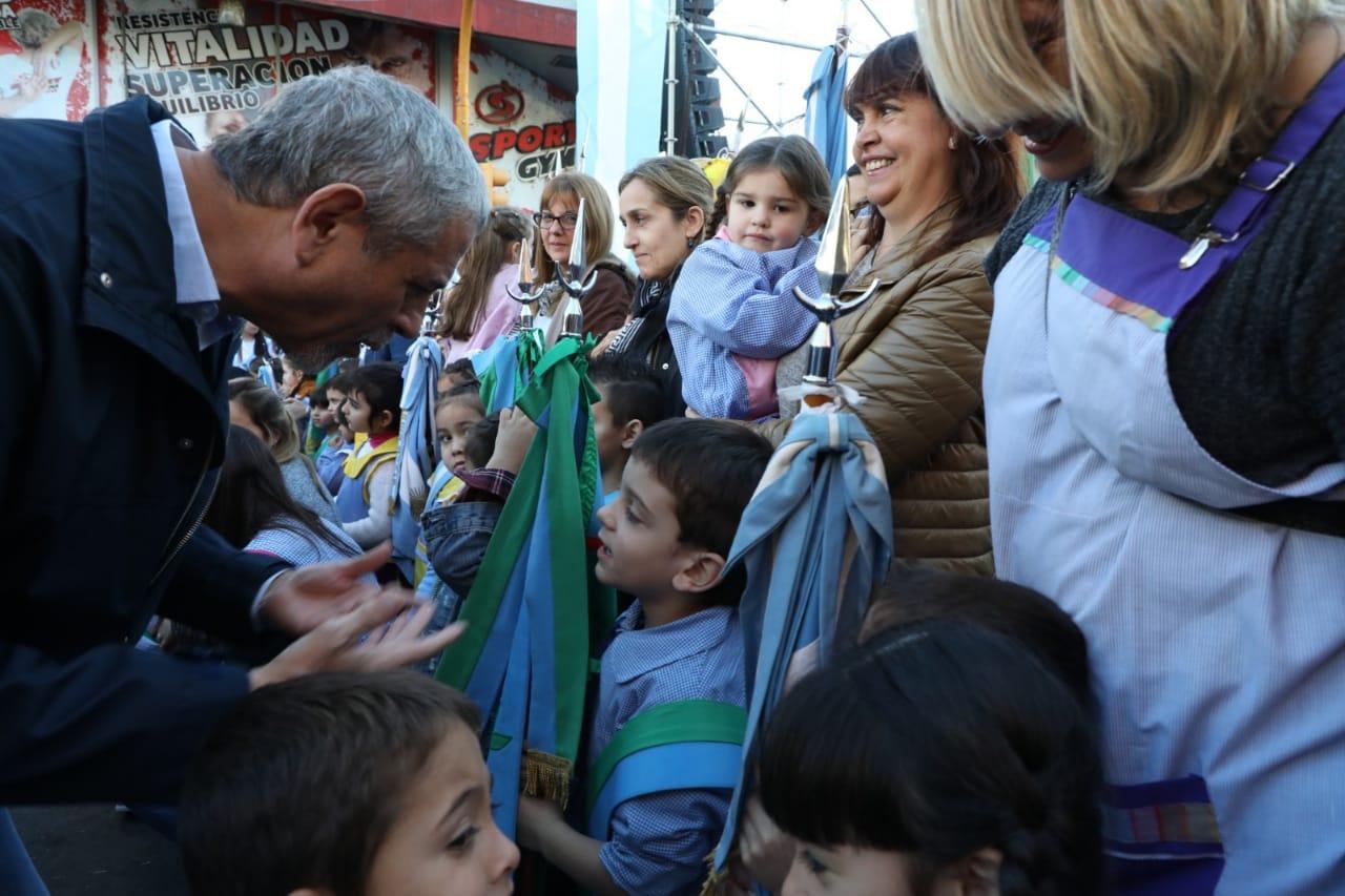 Piñeiro celebró su 126° aniversario con un gran festival popular en Avenida Galicia