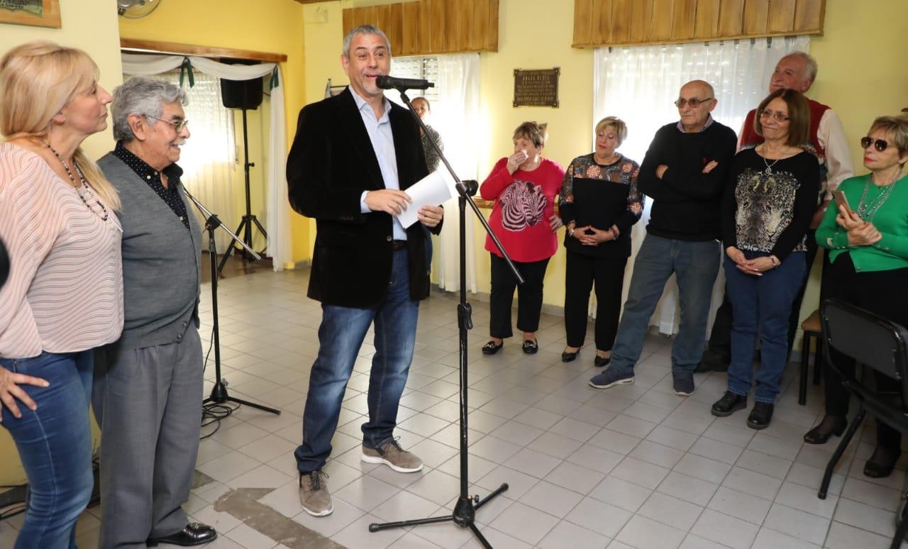 Ferraresi visitó tres centros de jubilados y anunció que el Municipio seguirá con la mejora de sus sedes