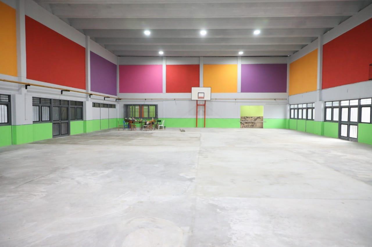 Ferraresi entregó $ 3 millones en subsidios a escuelas para continuar con obras de ampliación
