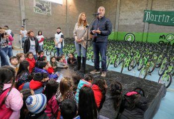 Nueva entrega de «Tu Primera Bici» para 600 niños y niñas de escuelas primarias públicas