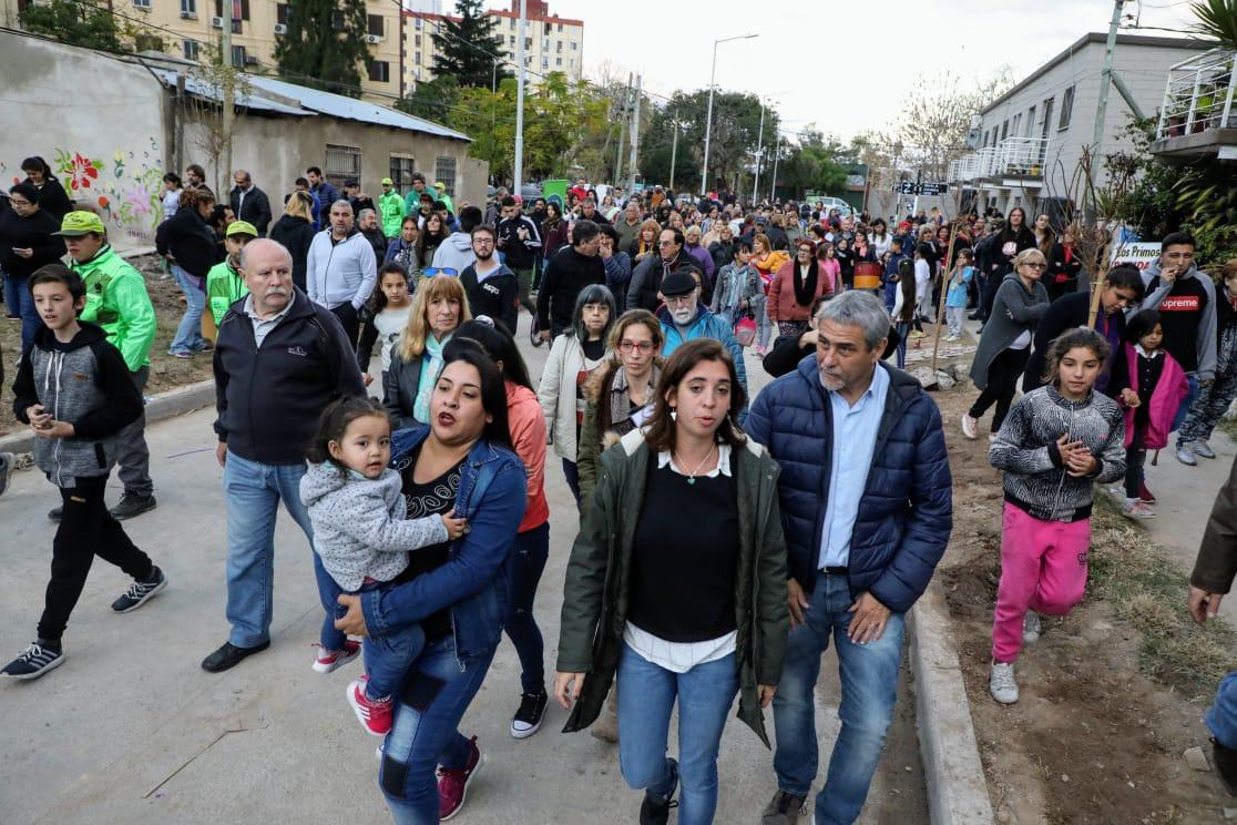 Quiénes son las tres mujeres que los vecinos de La Saladita eligieron para las nuevas calles del barrio