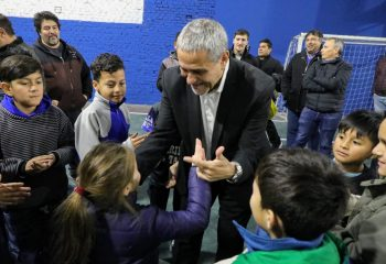 Ferraresi inauguró obras en el club Honor y Patria