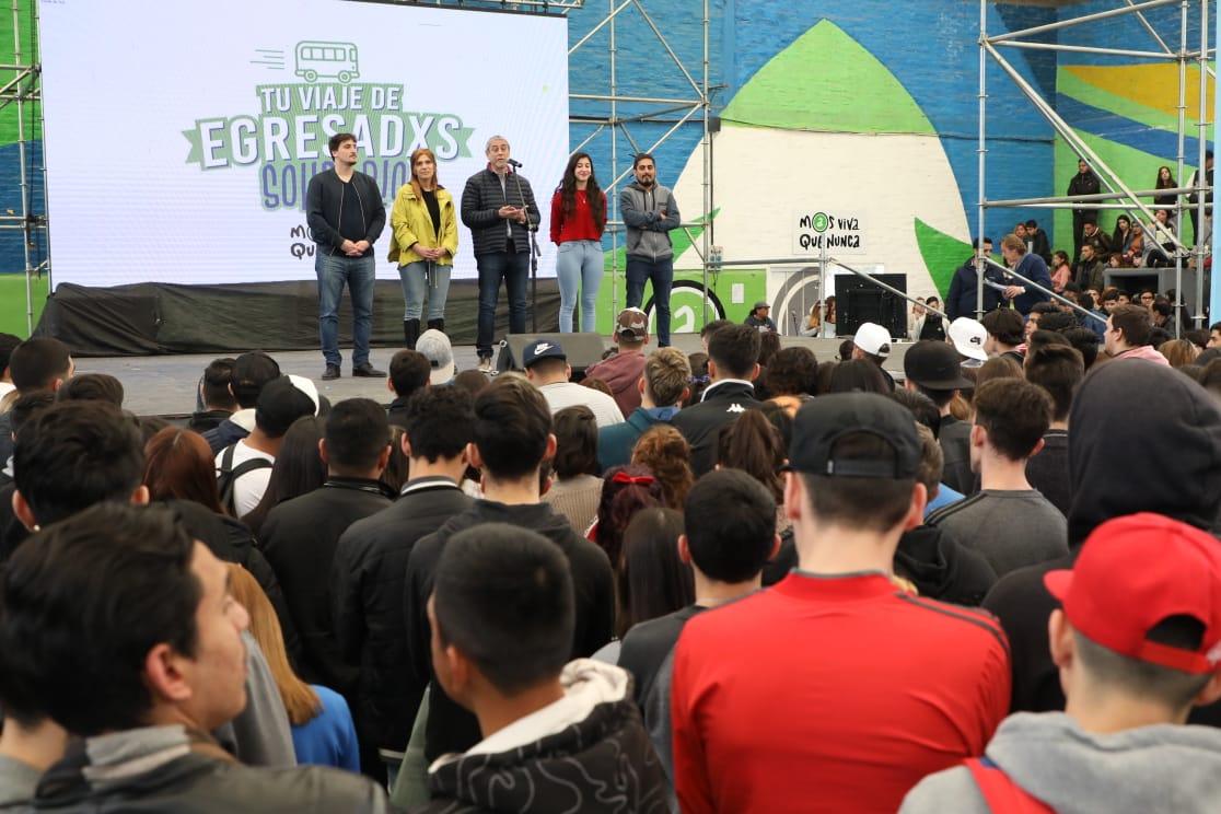 Más de 1400 estudiantes secundarios participan de «Tu viaje de egresados solidario»