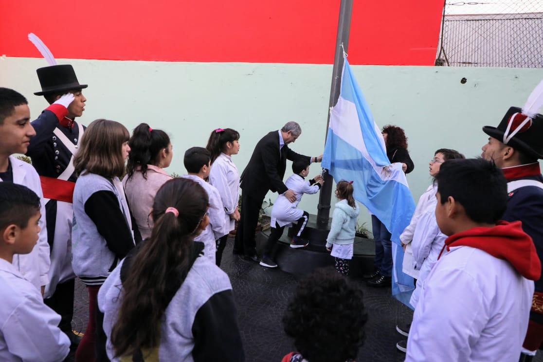 Ferraresi inauguró obras en la Escuela Primaria 2, de Piñeiro