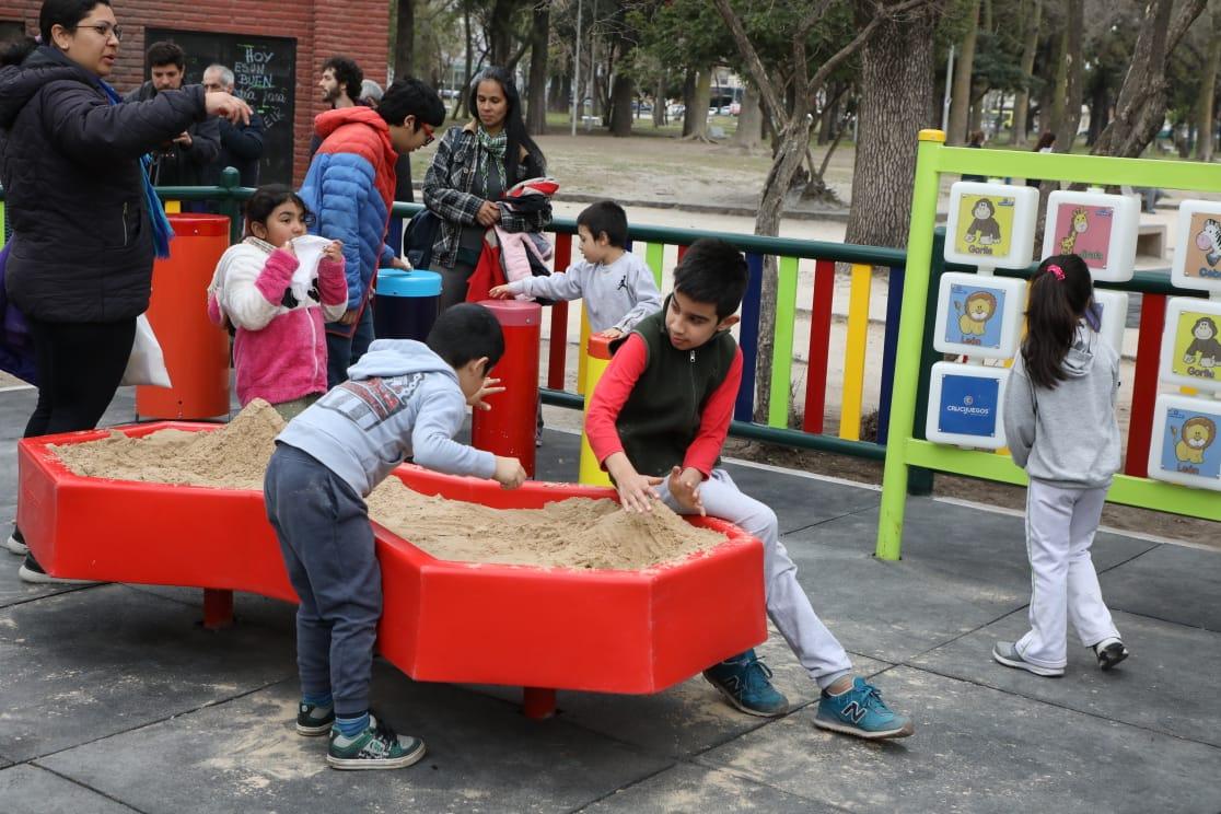 Avellaneda ya cuenta con patios de juegos adaptados para niñxs con TEA y otros trastornos del desarrollo