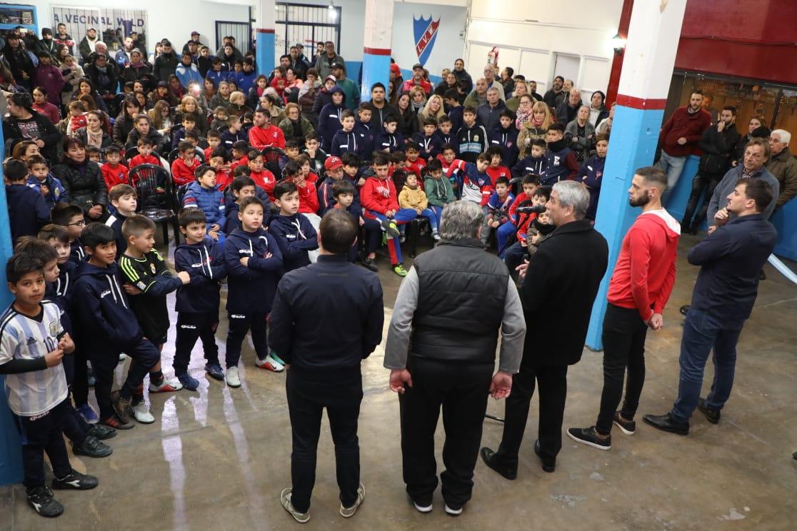 Ferraresi presentó remodelaciones en el club Liga Vecinal de Wilde