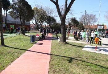 Ferraresi inauguró una plaza y un playón deportivo en el Barrio de la carne