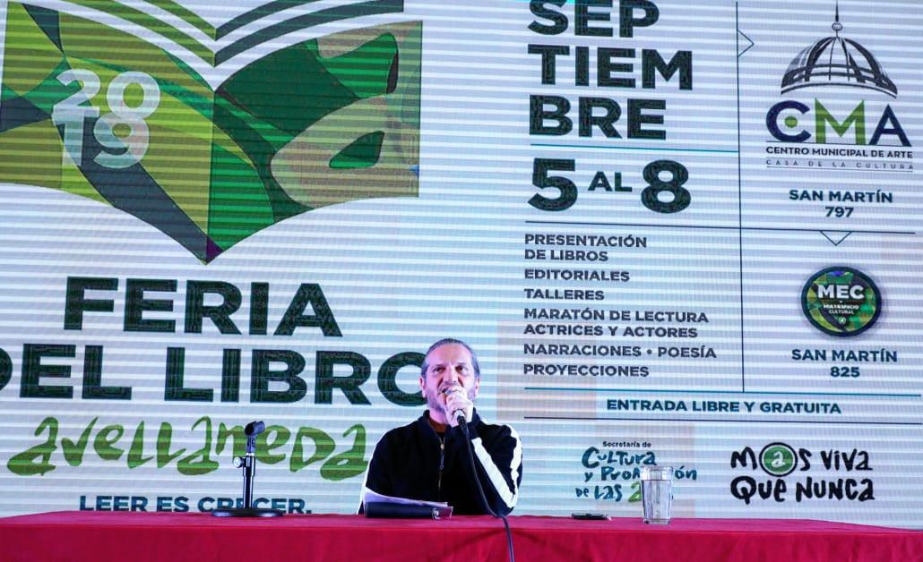 """Ferraresi inauguró la Feria del Libro de Avellaneda: """"Queremos promover la cultura, el debate y las ideas"""""""
