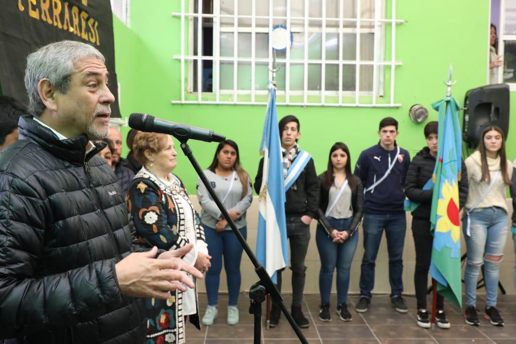 Ferraresi inauguró obras en la Secundaria 12, de Sarandí