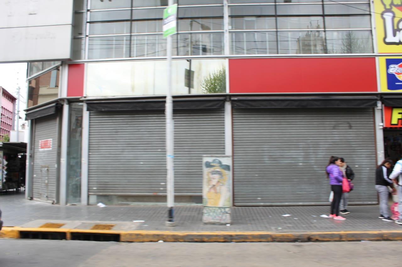 En el último año se duplicó el cierre de comercios en Avellaneda