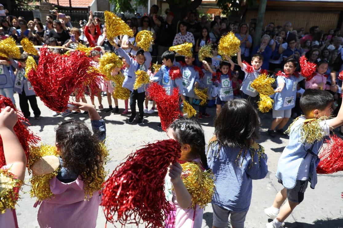 Ferraresi compartió los festejos del 50° aniversario del Jardín 913