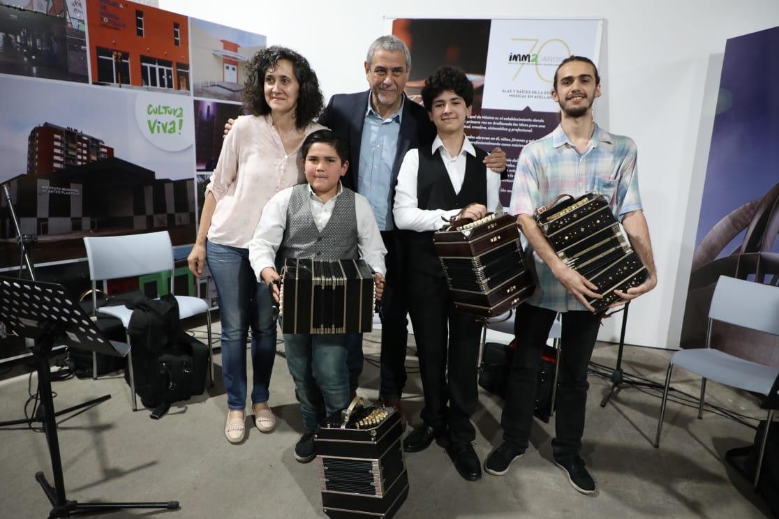 Ferraresi inauguró la exposición anual 2019 de los institutos municipales
