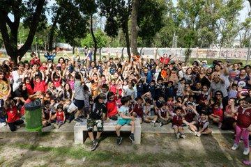 Egresadxs en las Plazas: Los niños y niñas de los jardines de infantes celebran el fin de una etapa