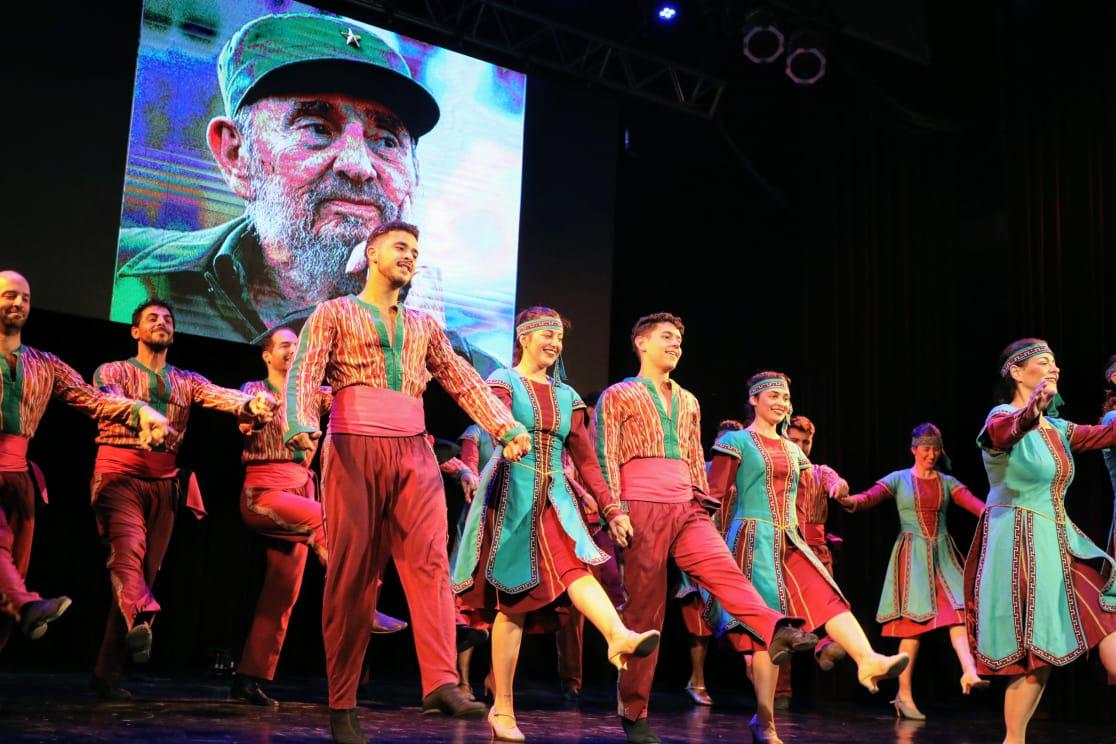 A tres años de su fallecimiento, Avellaneda homenajeó a Fidel Castro