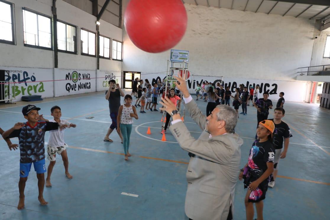 Ferraresi inauguró la nueva pileta climatizada del Polideportivo Delfo Cabrera