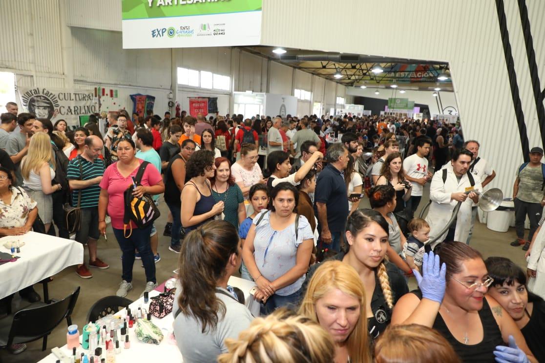 Ferraresi inauguró la Muestra de los Puntos Culturales de Avellaneda