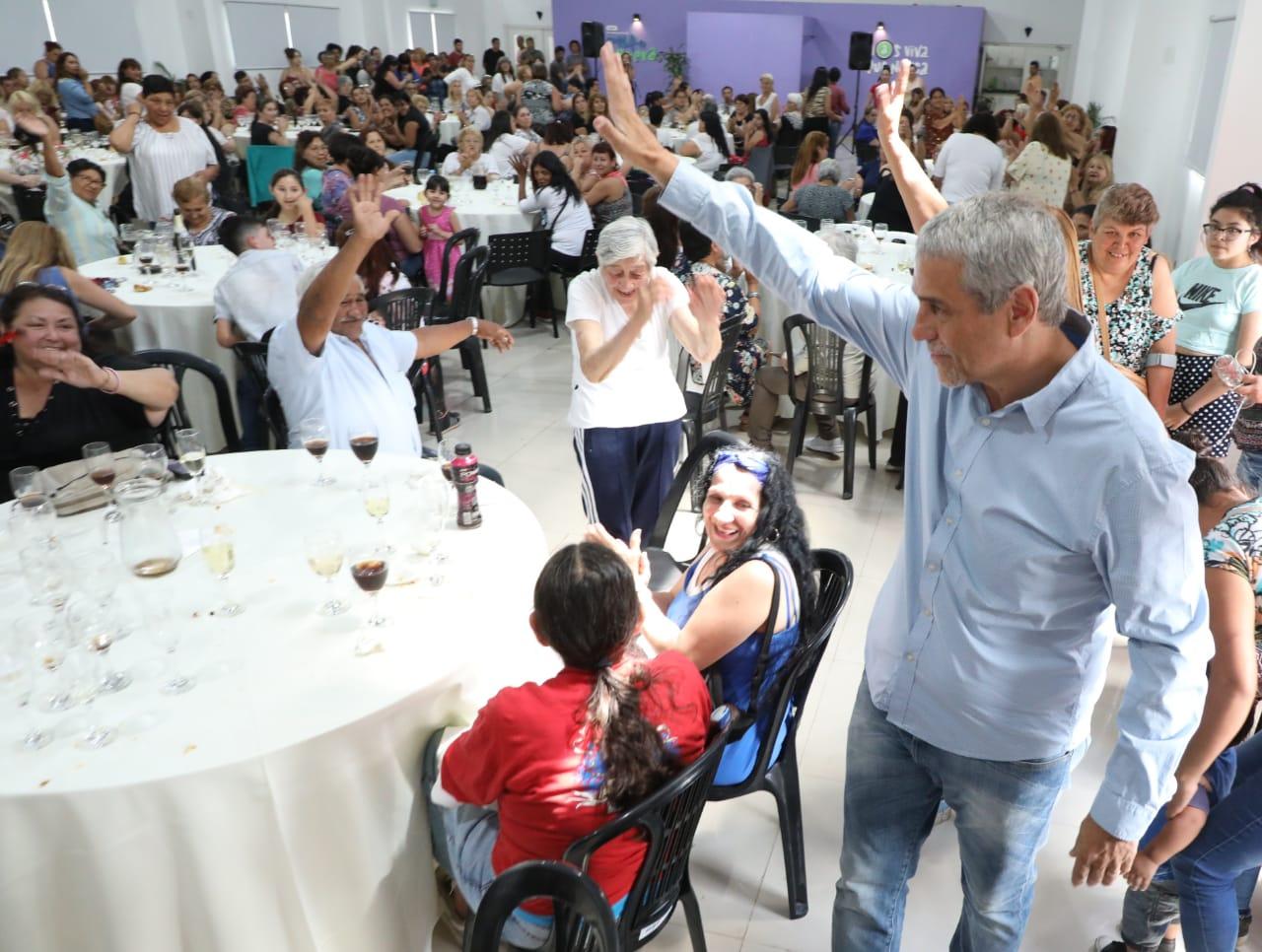 Ferraresi compartió el encuentro de fin de año de las trabajadoras del Plan Vida
