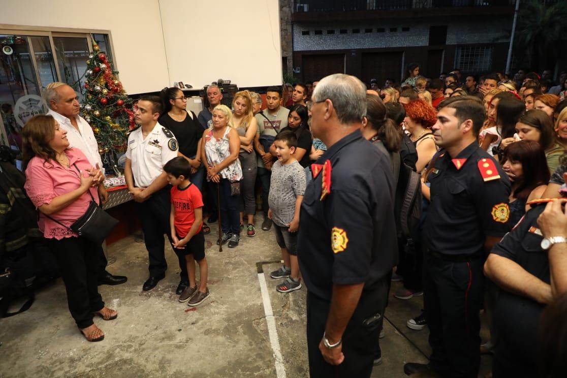 Los Bomberos de Echenagucía-Gerli-Piñeyro homenajearon a Joaquín Revainera a un año de su fallecimiento