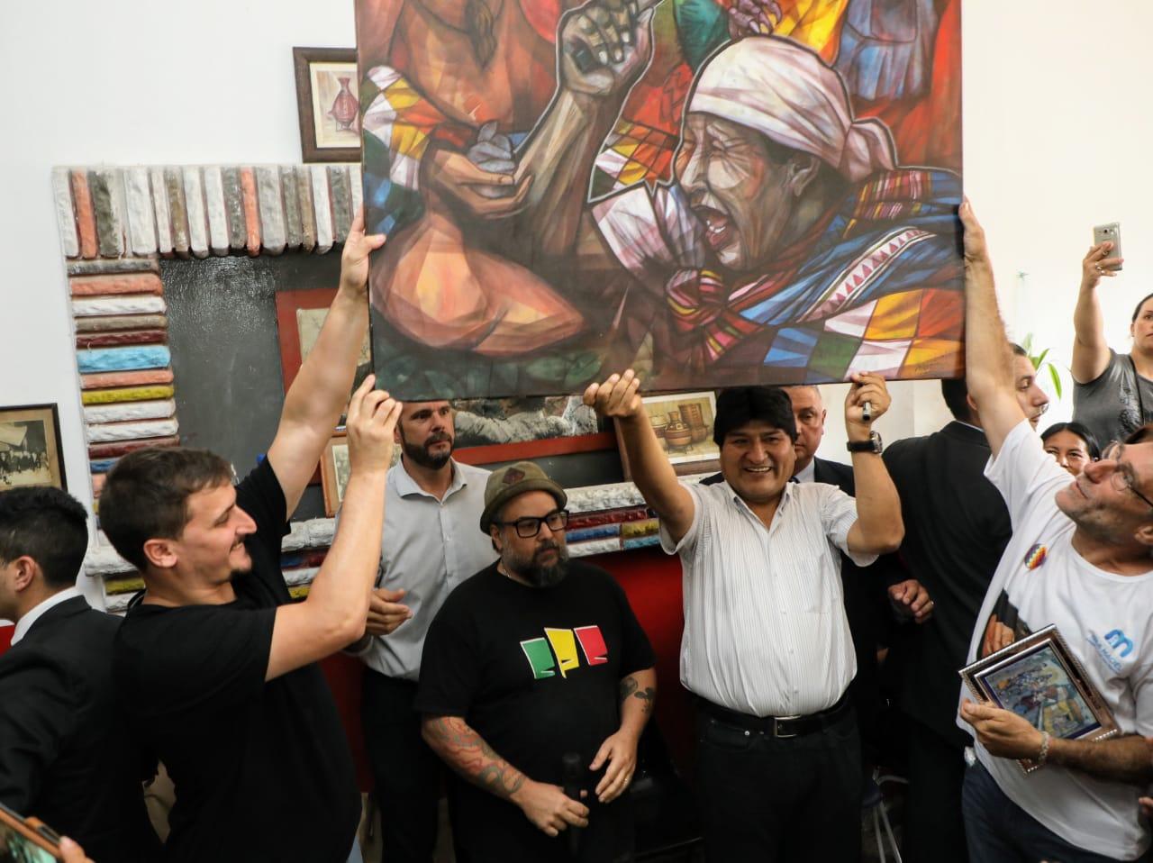 Evo Morales visitó la Isla Maciel y lo recibió una multitud de miembros de la comunidad boliviana de Avellaneda
