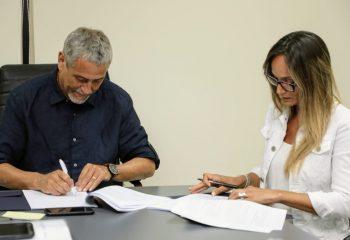 El intendente Ferraresi recibió a la titular de Aysa, Malena Galmarini