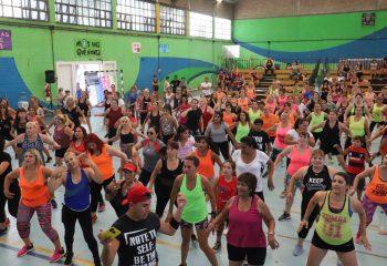 Zumbathon Solidario en el Polideportivo Gatica