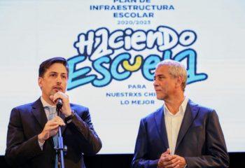 Ferraresi y el ministro de Educación de la Nación, Nicolás Trotta, entregaron subsidios a escuelas de la ciudad