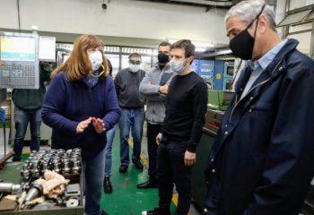Avellaneda vuelve a producir: Ferraresi y Augusto Costa visitaron una de las fábricas que reactivó su trabajo