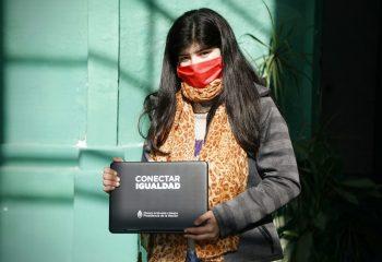 Comenzó la entrega de netbooks a estudiantes de escuelas secundarias de Avellaneda