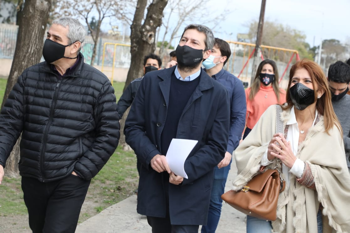 Ferraresi y Lammens entregaron subsidios para obras de infraestructura en los clubes de barrio