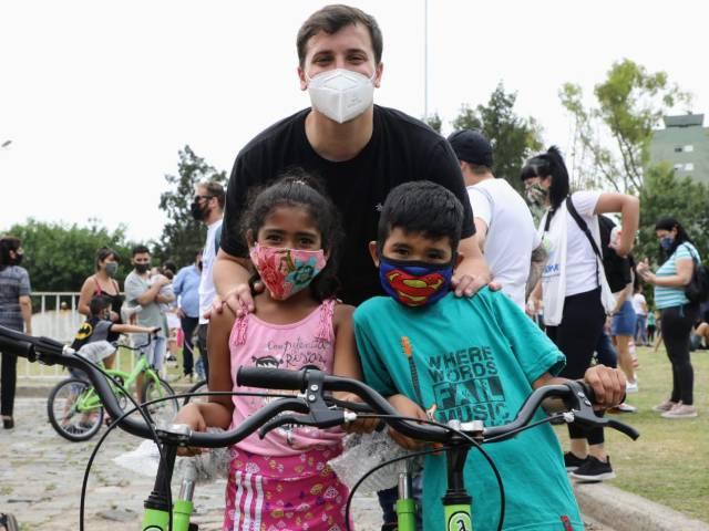 Se entregaron 1390 bicicletas para alumnas y alumnos de las escuelas públicas de Avellaneda