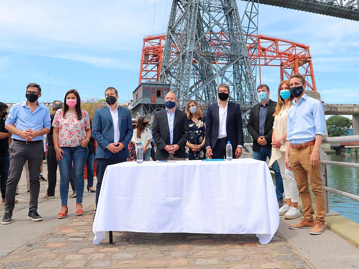 El intendente Chornobroff participó de la firma de un convenio para potenciar turísticamente a los barrios de La Boca e Isla Maciel