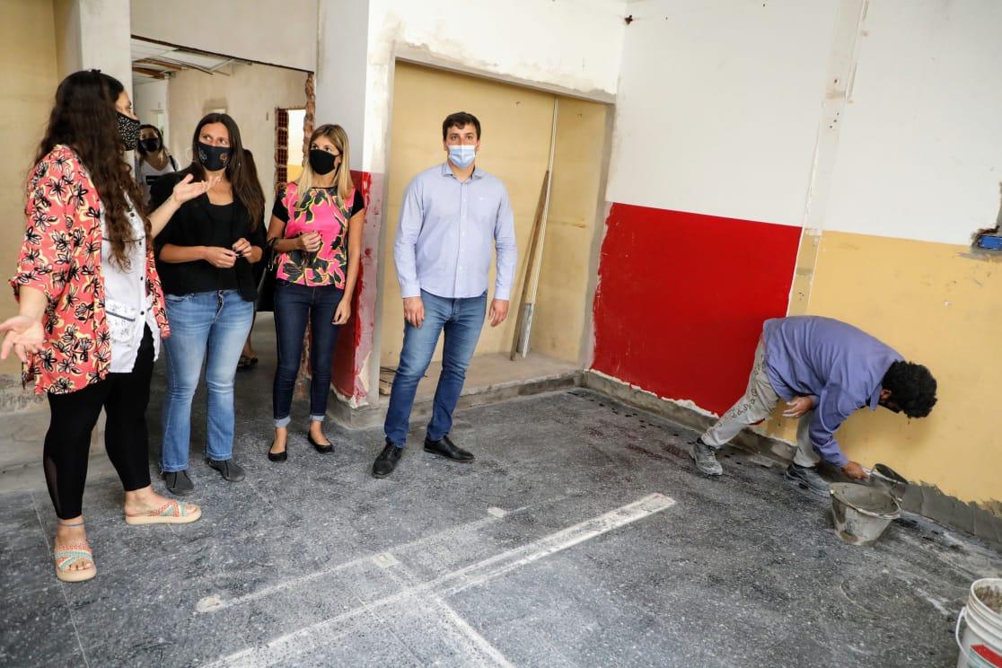 El intendente Chornobroff entregó 12 millones de pesos en subsidios para escuelas locales